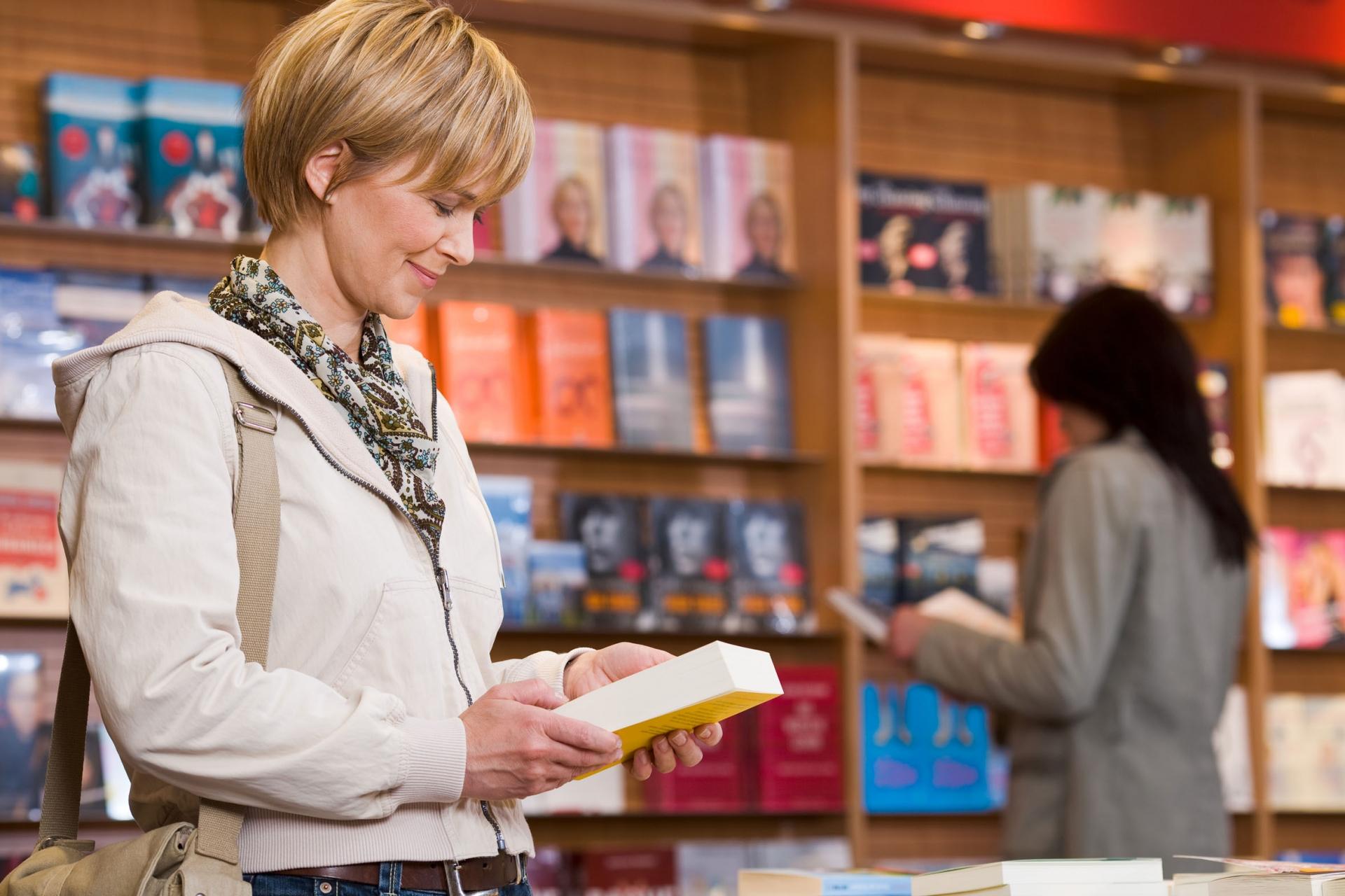 Wir bieten eine große Auswahl an Büchern. Gerne bestellen wir Ihnen auch ein gewünschtes Buch. © Henry Schmitt - Fotolia.com